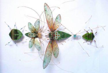 Красивые насекомые из выброшенных плат