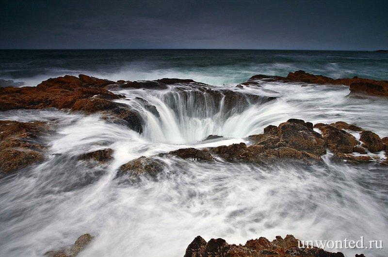 Необычное место - природный колодец Тора