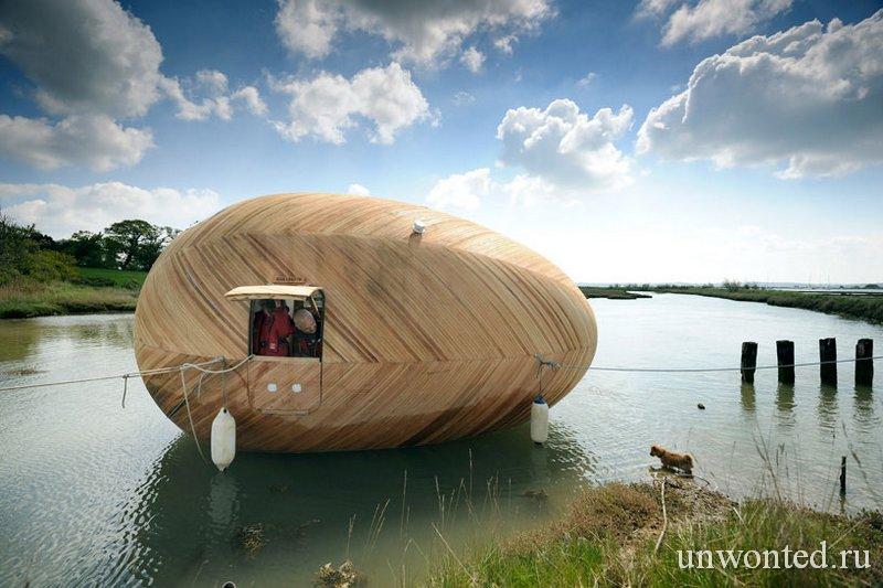 Стивен Тернер в плавающем доме Exbury Egg