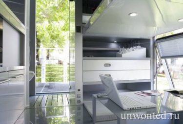 Рабочее место в маленьком доме i-home