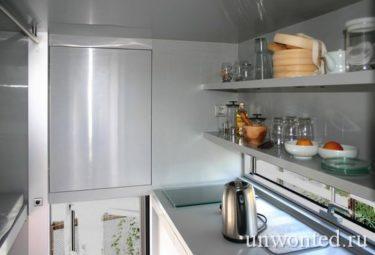 Встроенный блок кухни в микро-доме i-home