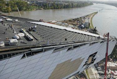 Строительство крыши необычного здания Музея Слияния