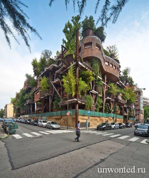 Дом среди леса в Турине, Италия