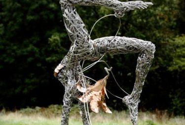 Необычные скульптуры из проволоки