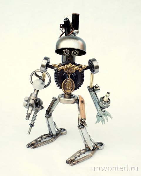 Фигурка робота - Брайан Мок