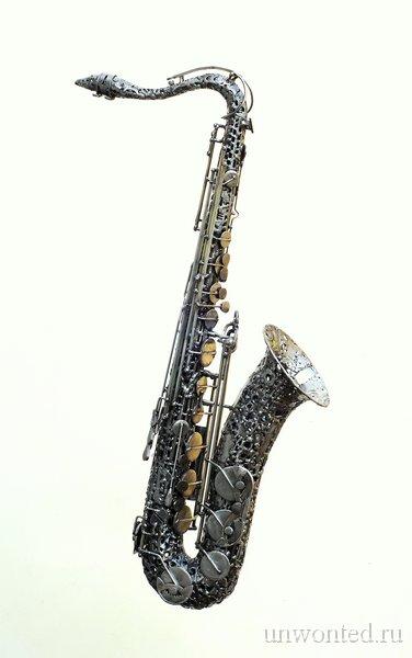 Саксофон - скульптуры из сварки Брайана Мока