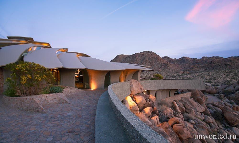 Современная архитектура - дом в пустыне