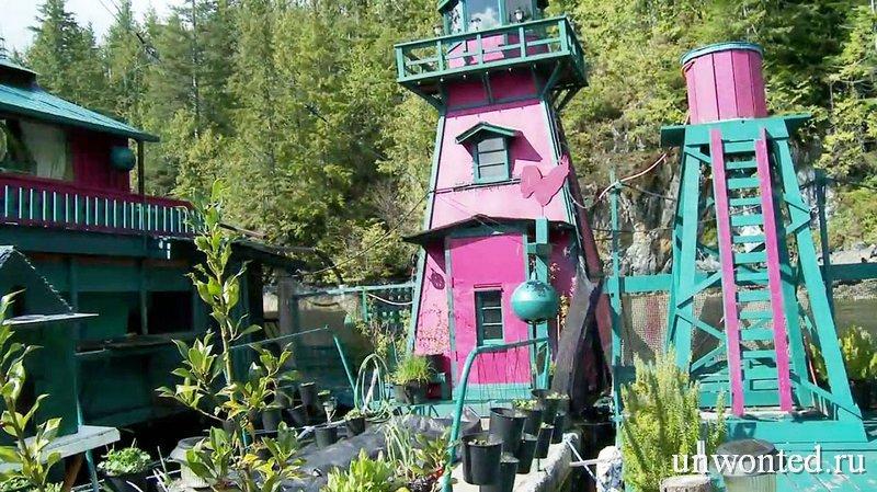 Домик-маяк для туристов - Freedom Cove
