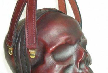 Необычный клатч в форме черепа