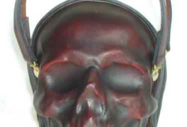 Необычный клатч - череп