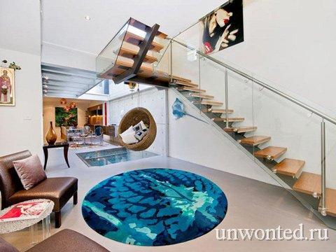 Коврик как зеркальное отражение бассейна в квартире
