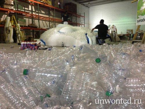 Создание арт-инсталляции рыбы из пластиковых бутылок