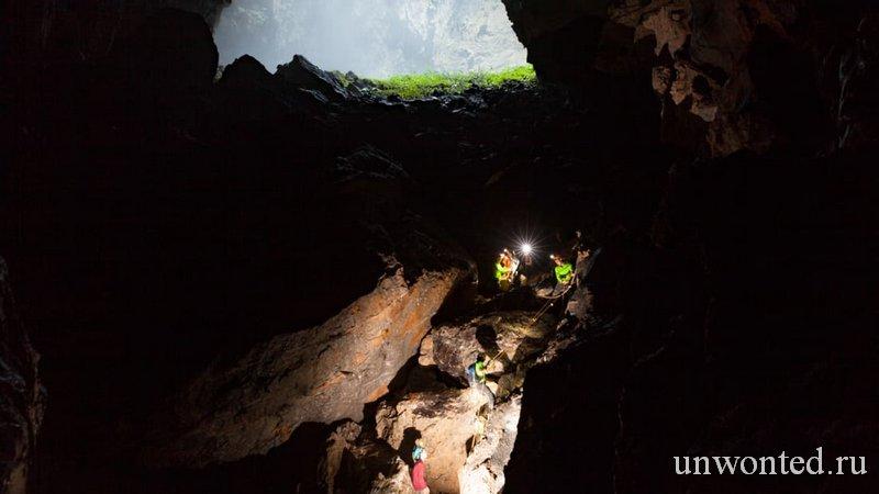 Шондонг самая большая пещера