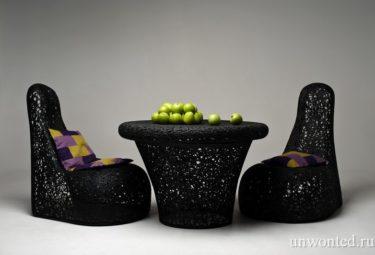 Кружевные кресла и столик из вулканического базальта