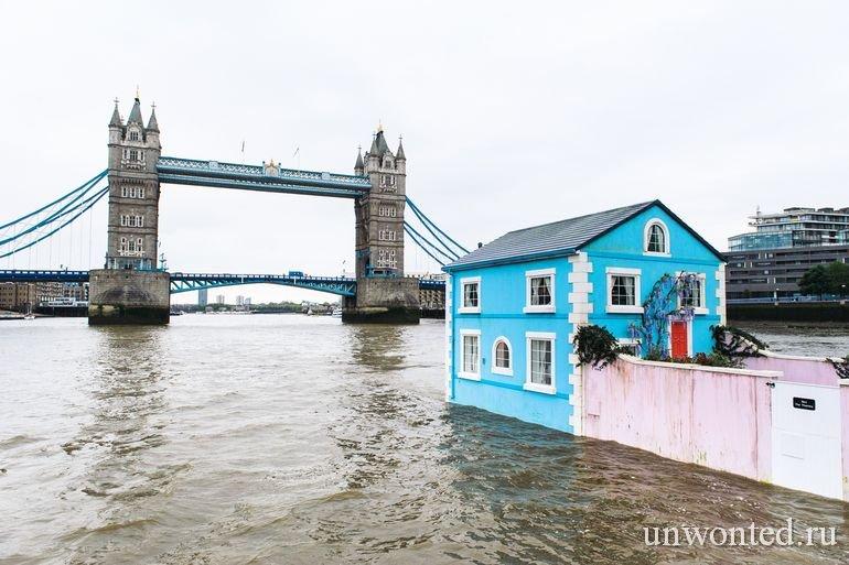 Плавающий дом на Темзе