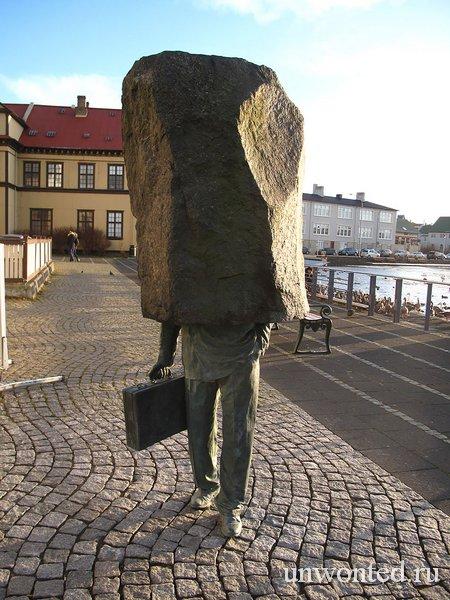 Необычные скульптуры мира - Неизвестный чиновник