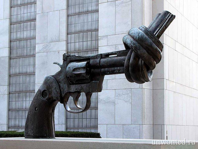 Необычные скульптуры мира - Нет насилию