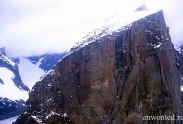Вершина самой крутой горы в мире - Тор