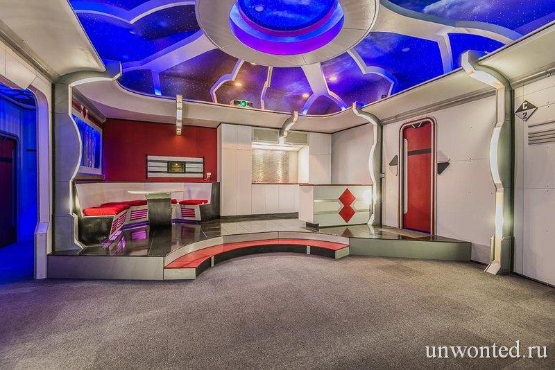 """Кинозал в """"Star Trek"""" доме - точная копия USS Enterprise"""