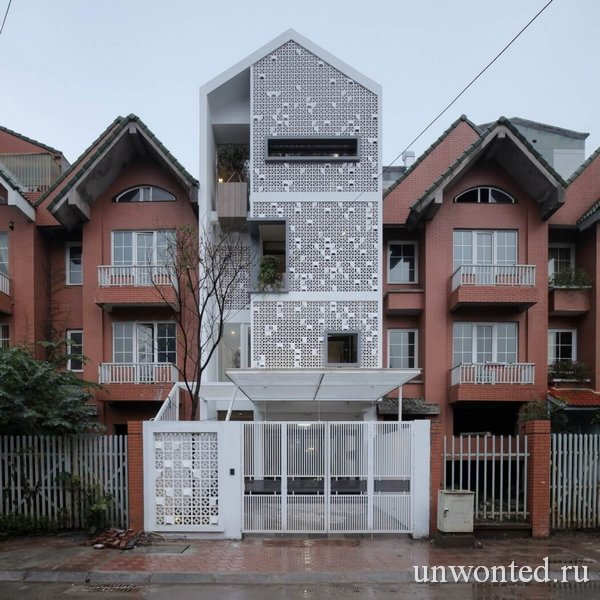 Дом Кокон - передний фасад