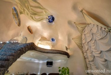 Дом ракушка - трубы вентиляции на стенах