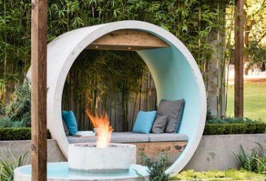 Патио из бетонных колец разного диаметра