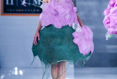 Показ одежды будущего в Москве