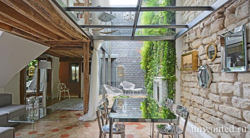 Терраса с внутренним двориком в квартире