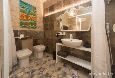 Санузел в савременной квартире-лофт