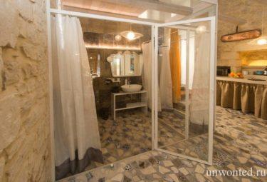 Ванная за стеклянными перегородками