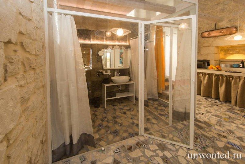 Casa Nuvole Modica ванная за стеклянными перегородками