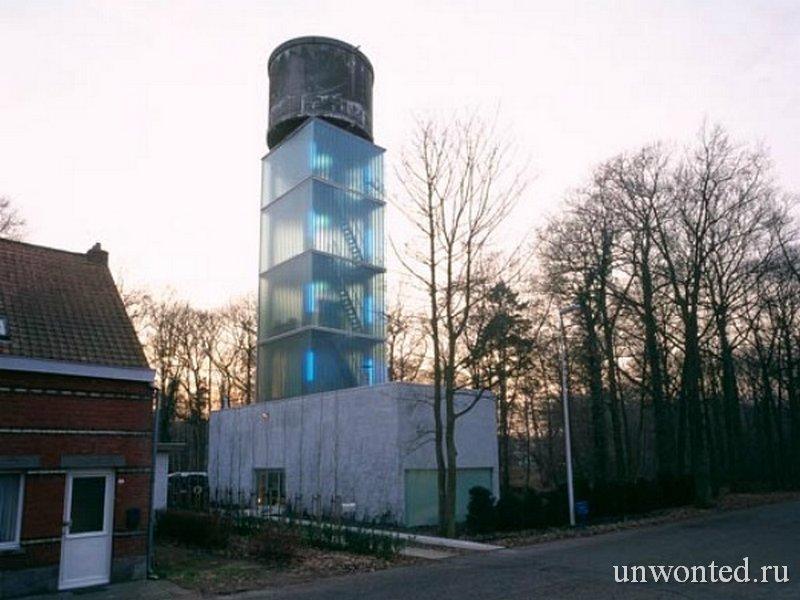 Водонапорная башня переделанная в дом