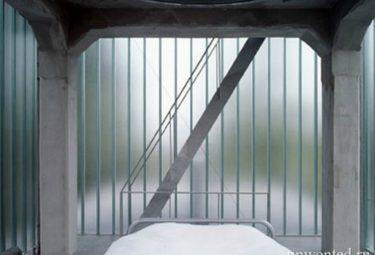 Водонапорная башня переделанная в дом - спальня