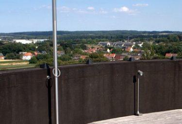Дом в водонапорной башне - душ на открытой террасе