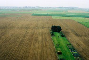 Бельгийский дом в водонапорной башне - панорама бескрайних сельских угодий
