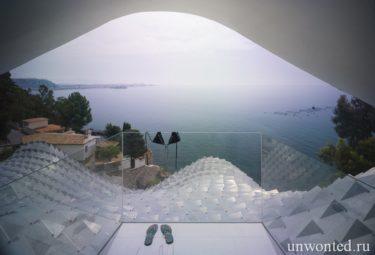 Необычный Casa Del Acantilado - вид на Средиземное море из спальни