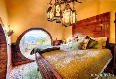 Спальня в домике хоббита