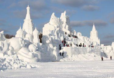 Самые большие снежные скульптуры в Харбине
