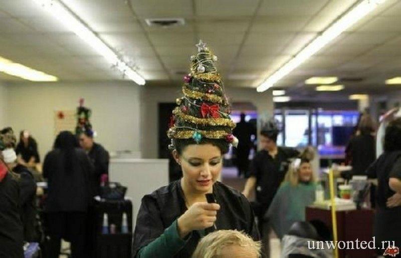 Необычная новогодняя прическа Елка у стилиста