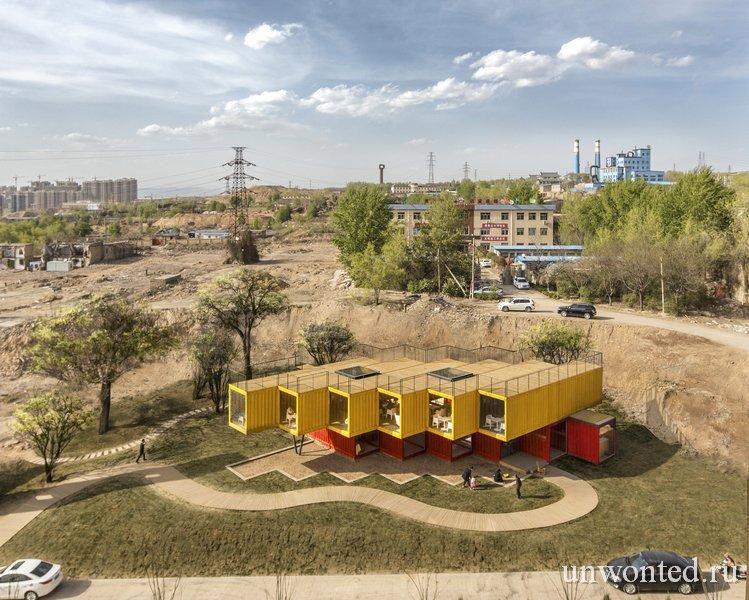 Павильон из контейнеров в строящемся районе города Тайюань