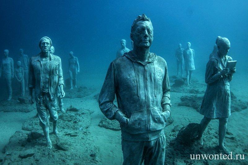Подводные скульптуры людей - Пересечение Рубикона