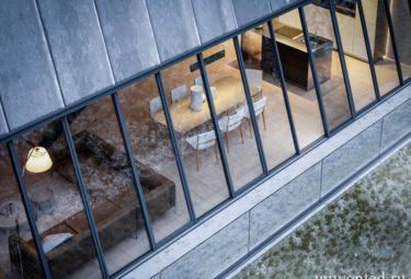 Балкон Треугольного дома на утесе
