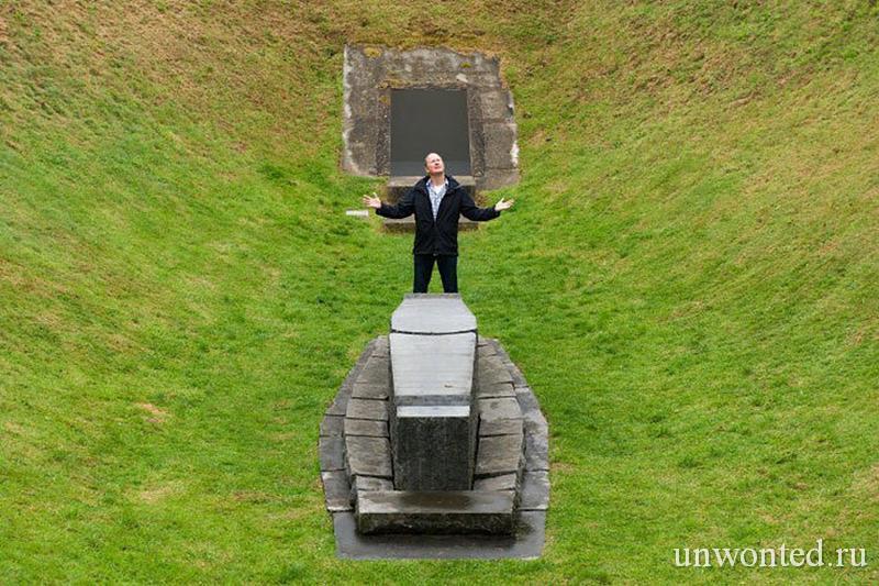 Посетитель Ирландского Небесного Сада Irish Sky Garden