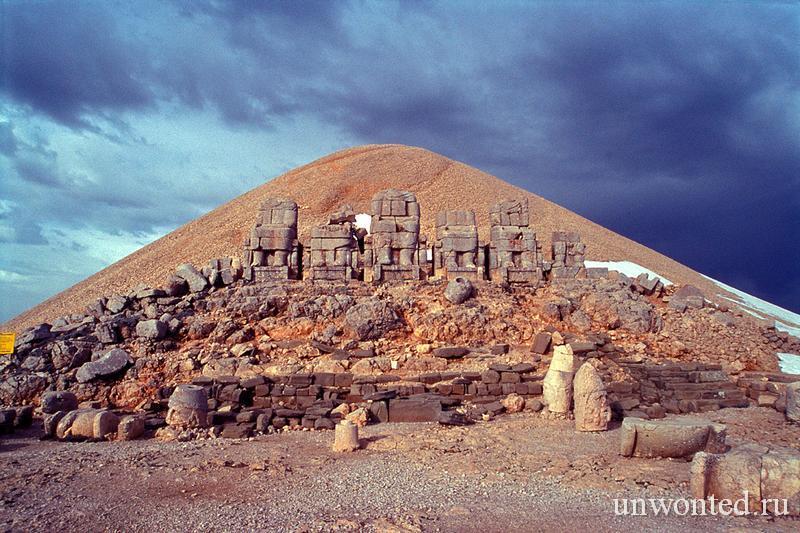 святилище на горе Немрут