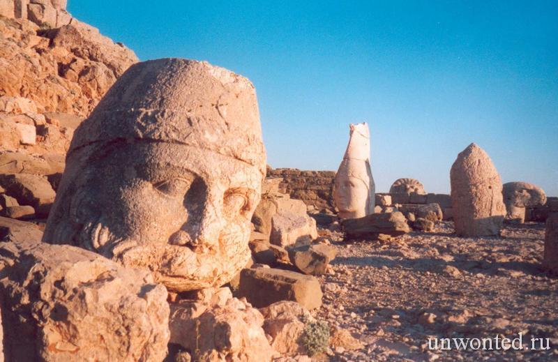 Каменные головы статуй - Немрут Даг