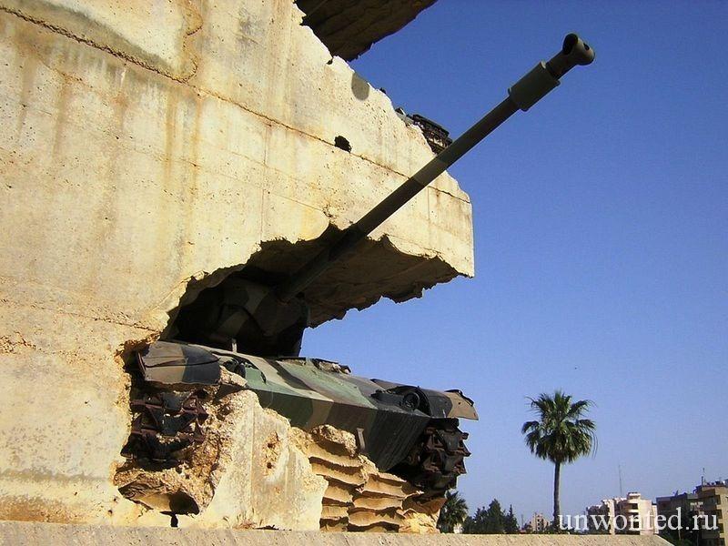 """""""Надежда на мир"""" - Памятник из танков в Ливане"""