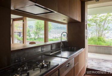 Кухня в органическом доме на склоне горы - Greendo