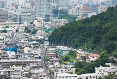 Вид с Greendo на город и порт Такамацу