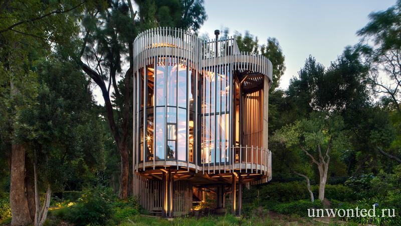 Цилиндрический дом на дереве от архитектурной студии Malan Vorster
