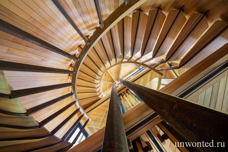 Цилиндр главной лестницы - Paarman Treehouse